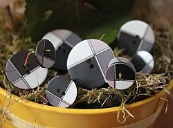 Boutons - Quadricolores : noir gris et blanc 1