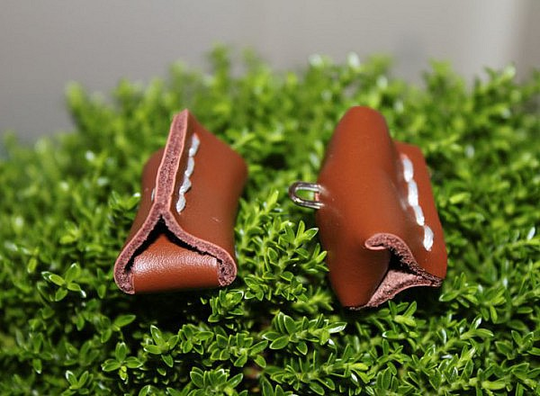 Boutons cuir rectangulaires 1